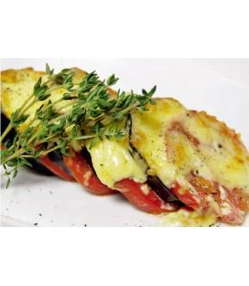 Баклажаны запеченые с сыром и помидорами